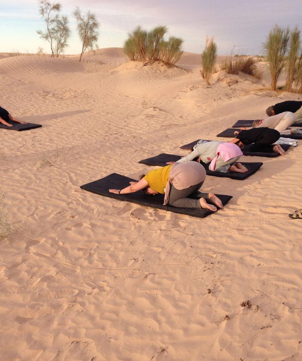 groupe-yogi-tapis-yoga-sahara