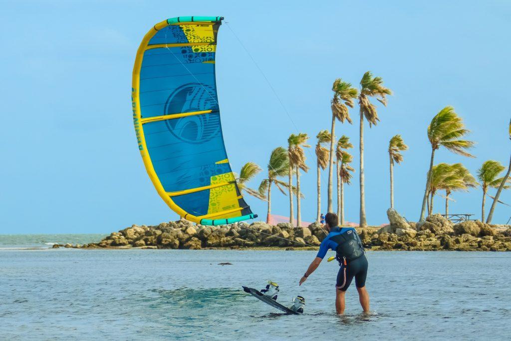 homme-ride-kitesurf-djerba