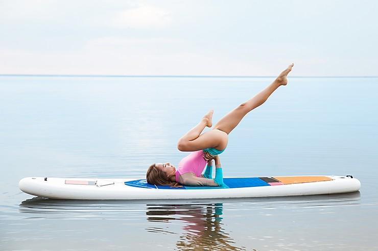 femme-planche-surf-modèles-sup