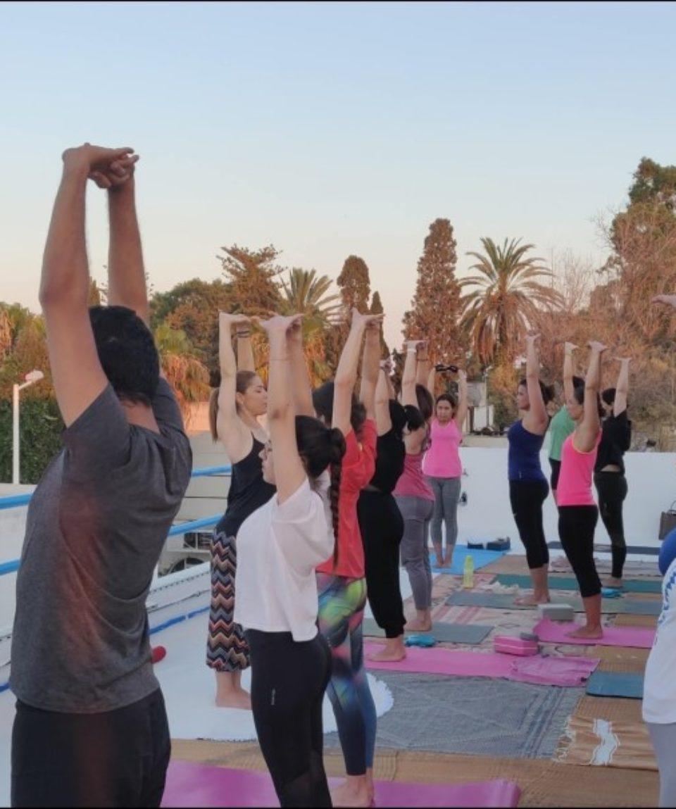 cours de yoga en terasse