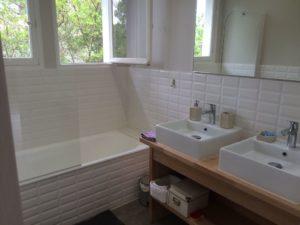 Salle de bain moderne villa Arcachon