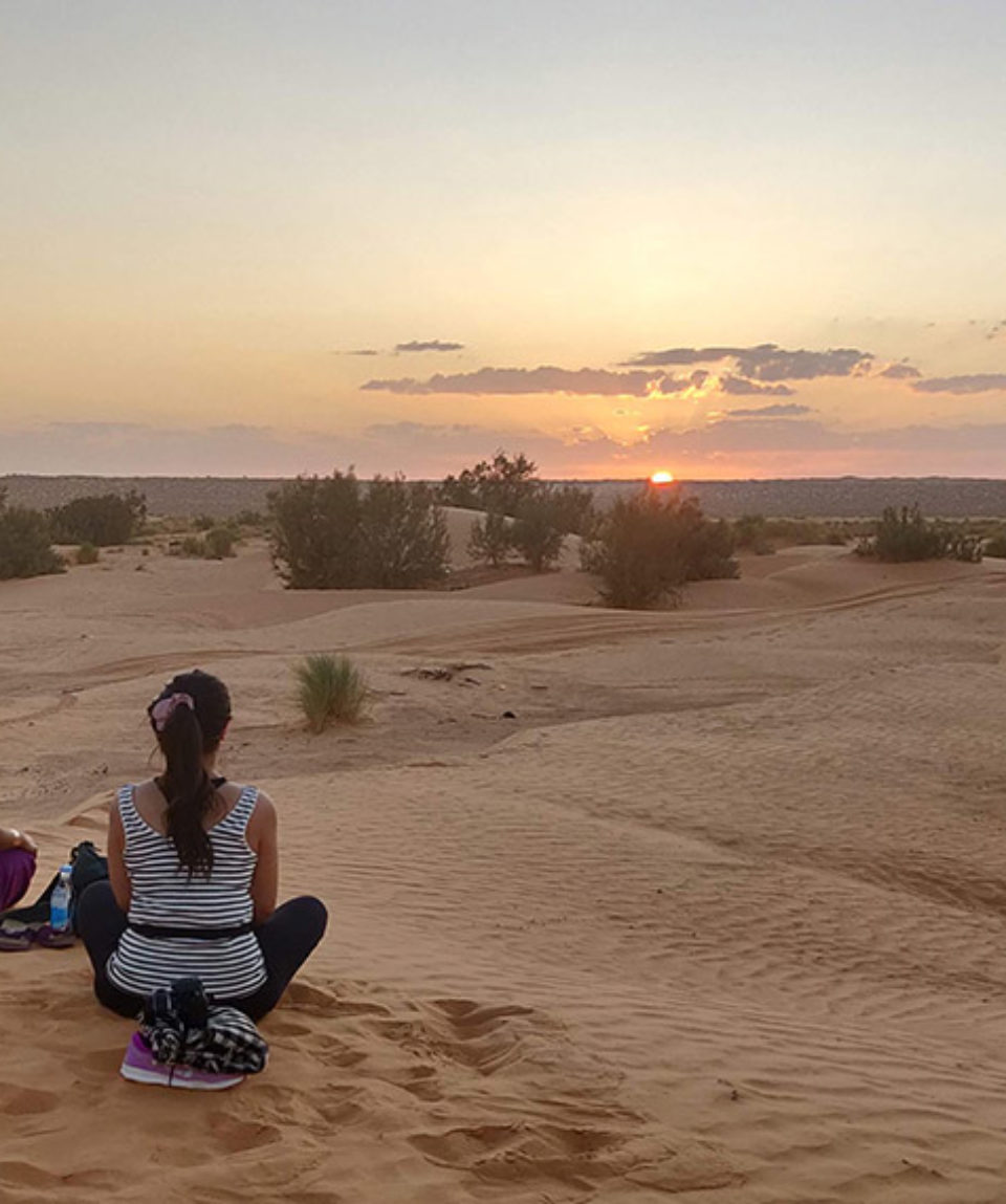 sahara-coucher-soleil-yoga