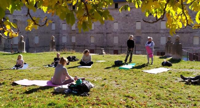 cours yoga outdoor et naturopathie
