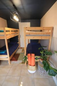 dortoirs à la Yoga & Surf House Alma libre