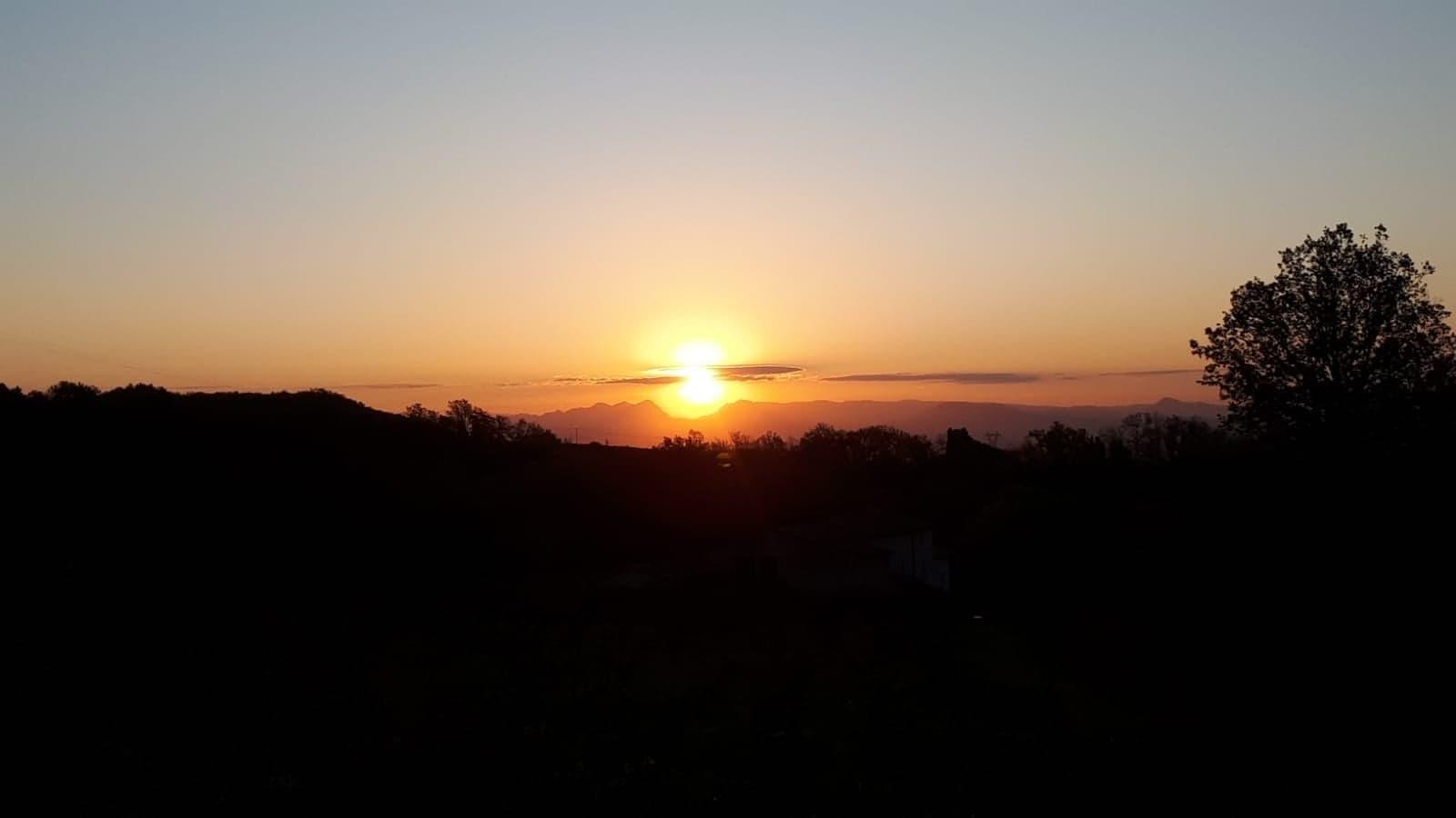 Lever du soleil à La Source-min
