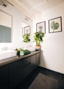 salle de bain à la Yoga & Surf House Alma libre