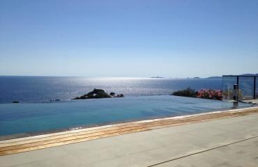 piscine-villa-luxe-yoga-corse